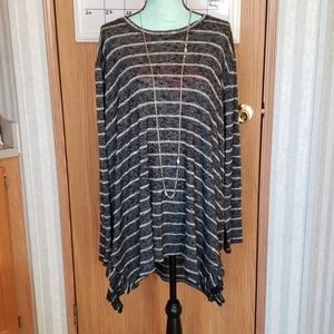 Maurices 24/7 Black & White High Low Size 3X
